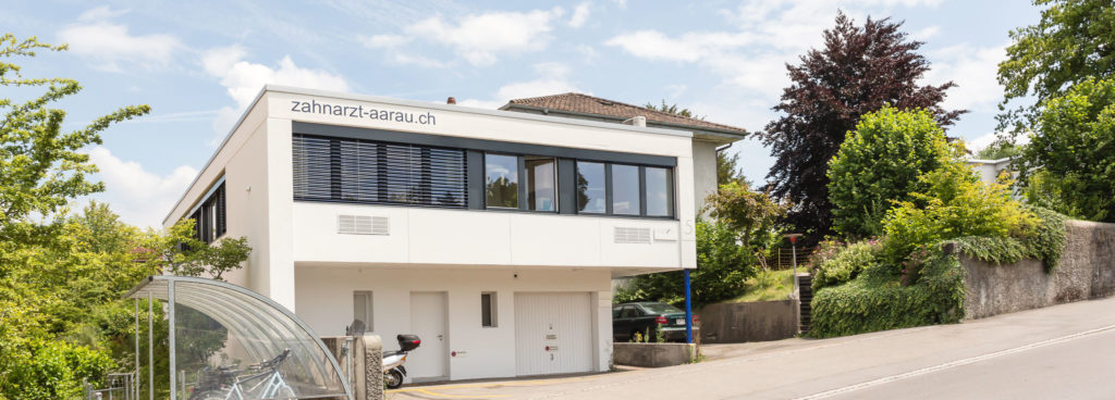 Aussenansicht Gebäude zahnarzt-aarau.ch